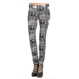 ✨nwt!✨ BCBG black&white plaid skinny pants
